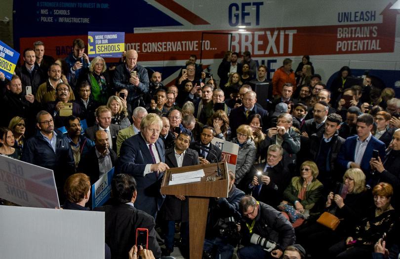 Великобритания в навечерието на предсрочни парламентарни избори. Утре на Острова
