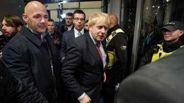 Триумф за консерваторите и загуба за лейбъристите на изборите във Великобритания