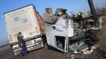 Два ТИР-а се удариха при софийското село Казичене и блокираха Околовръстното