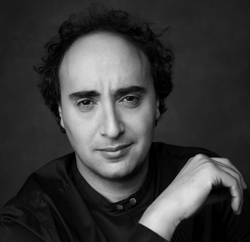 Отвъд границите: Марио Хосен: Изкуството е живо и вечно!