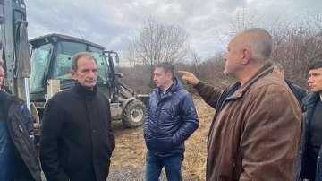 Премиерът разпореди да се достави допълнително минерална вода на перничани