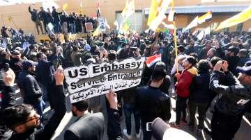 Най-малко 20 са ранени след опит за щурм в американското посолство в Багдад