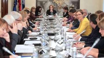 Захариева:Необходимо е да се работи за равни права между мъжете и жените в света