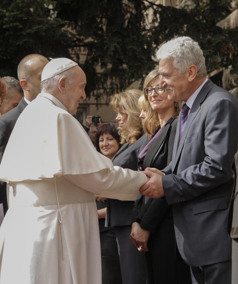 снимка 27 Първият ден от посещението на папа Франциск у нас (СНИМКИ)