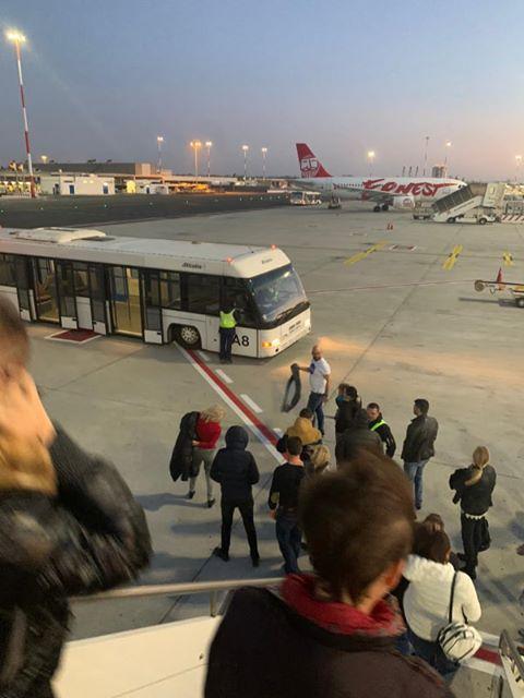 снимка 4 Самолет от България е приземен аварийно в Рим заради състоянието на пасажер
