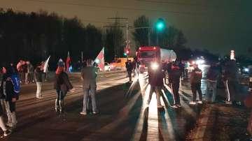 Жители на Нови Искър блокираха Околовръстното на София