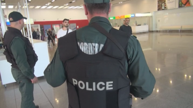 снимка 30 Строги мерки за сигурност на летищата в София, Варна и Бургас