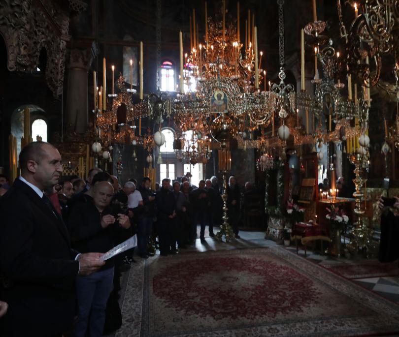 снимка 2 Радев: Зографският манастир отстоява българската вяра, духовност, памет и език