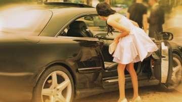 Благотвoрителна кампания осигурява коли за абитуриенти в неравностойно положение