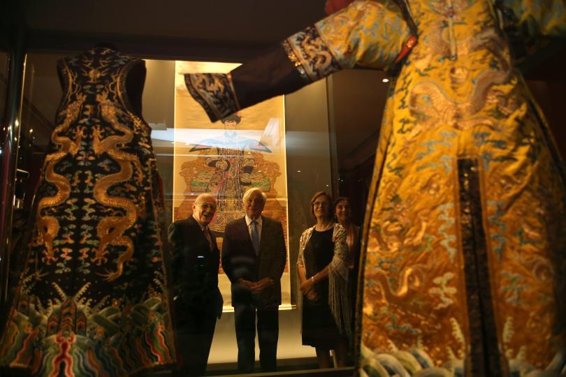 снимка 1 Император Цянлун превзема музея на Акропола в Атина (СНИМКИ)
