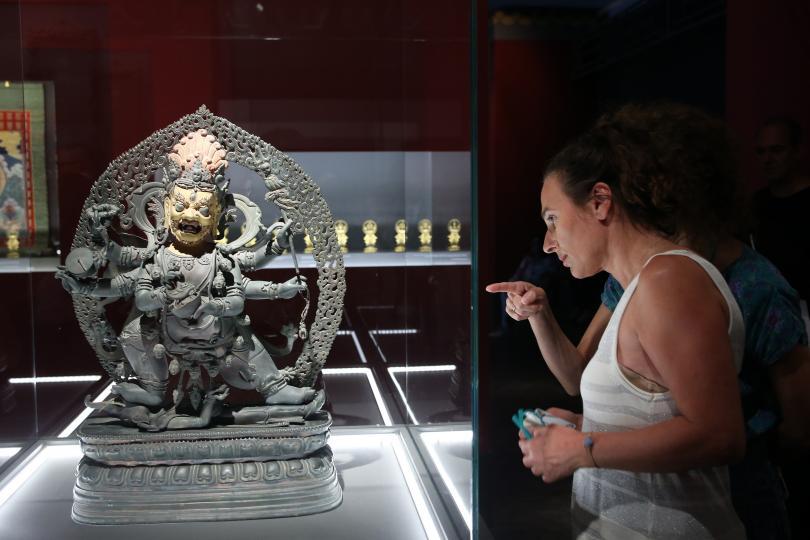 снимка 3 Император Цянлун превзема музея на Акропола в Атина (СНИМКИ)