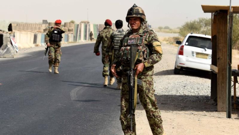 Войници от афганистанската армия на пост в провинция Кандахар