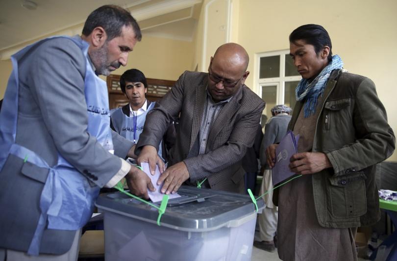 Сто четиридесет и осем избирателни секции в Афганистан останаха затворени