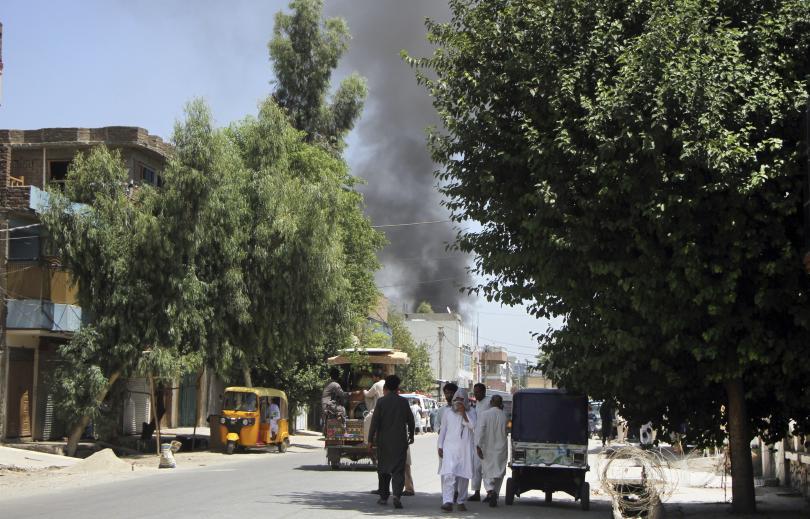 11 души загинаха при взрив на крайпътна бомба в Афганистан