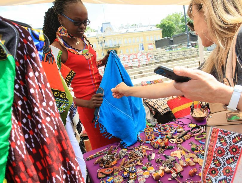 снимка 1 Центърът на София днес се превърна в умалено копие на Африка