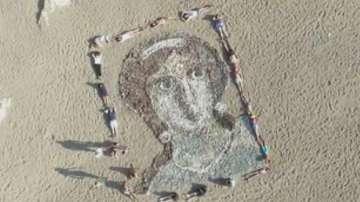 Огромен образ на Афродита беше изваян на плаж в Кипър