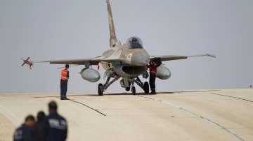 Израелски изтребител беше свален от сирийската ПВО