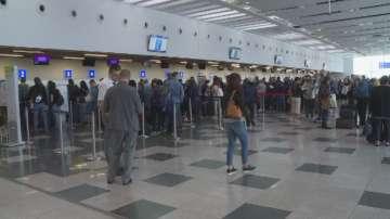 Започна транспортирането на британски туристи от България