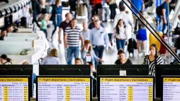 Срив в системата за презареждане блокира хиляди пътници на летище в Амстердам