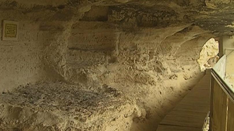 Една от най-големите забележителности на Варна Аладжа манастир се руши