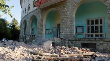 52 ранени при земетресенията в Албания