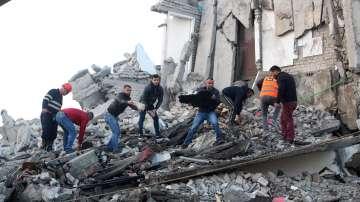 От нашите пратеници: 14 са жертвите в най-засегнатия от труса град в Албания