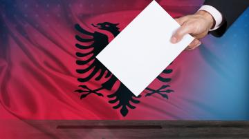 В напрегната атмосфера в Албания се провеждат местни избори
