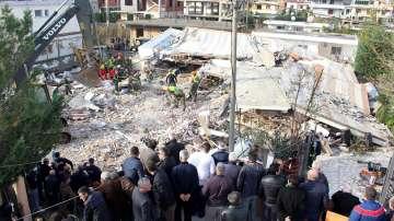Продължава да расте броят на жертвите от земетресението в Албания