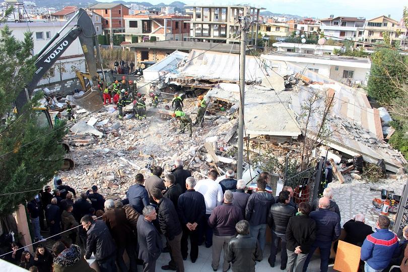 Премиерът на Косово Хашим Тачи посети един от най-силно засегантите