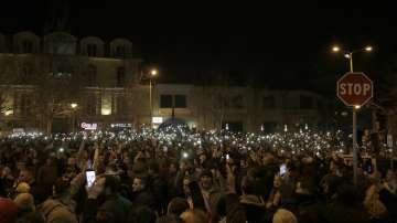 Албанската полиция не позволи протест на опозицията пред парламента