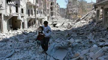 Евакуацията на цивилни от Алепо продължава
