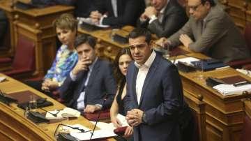 Вот на недоверие в Атина забавя подписването на договора със Скопие