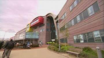 Дете в Ливърпул почина, след като съдът спря животоподдържащите му системи