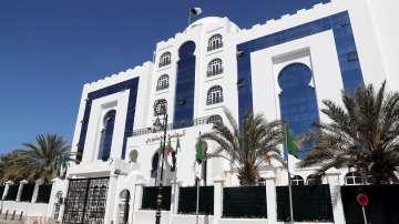 Президентът на Алжир се кандидатира за пети мандат