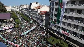 Медии в Алжир съобщават, че президентът Бутефлика ще се оттегли
