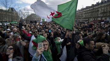 Продължават протестите в Алжир