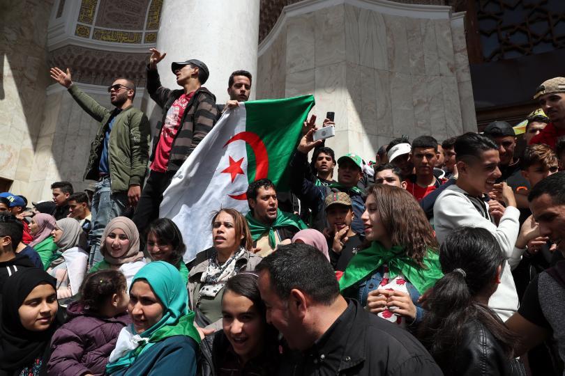 арестуваха брата бившия алжирски президент абделазиз бутефлика