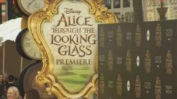 Тим Бъртън екранизира и Алиса в огледалния свят