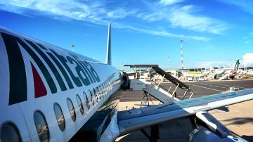 Алиталия отмени 200 полета заради стачка