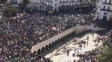 Протести в Алжир срещу президента Бутефлика