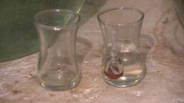Мъж е откаран в Пирогов, пил сода каустик вместо ракия
