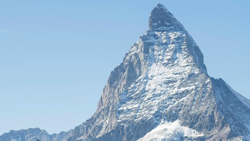 Властите предупредиха днес за висок риск от лавини в северната