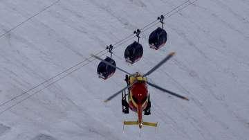 Спасителна операция в Алпите на 3000 метра във въздуха