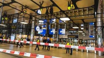 Ранените при нападения с нож на гарата в Амстердам вчера са американци