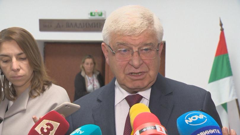 Управляващите отхвърлиха искането за изслушване на здравния министър в НС