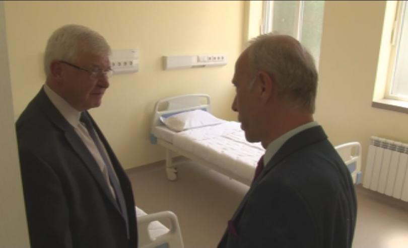 Здравният министър Кирил Ананиев откри ново родилно отделение в старозагорската