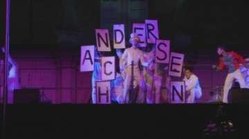 Светлина инсталация в чест на Ханс Кристиан Андерсен
