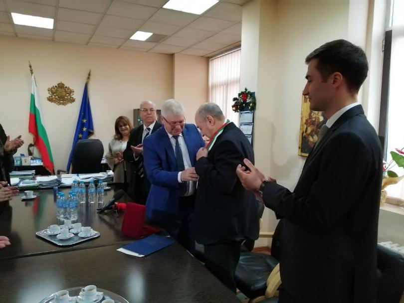 Доцент Стефан Лефтеров от ВМА получи златен почетен знак първа степен