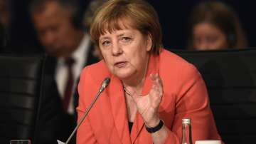 Популярността на политическия блок на Ангела Меркел спадна до 33%