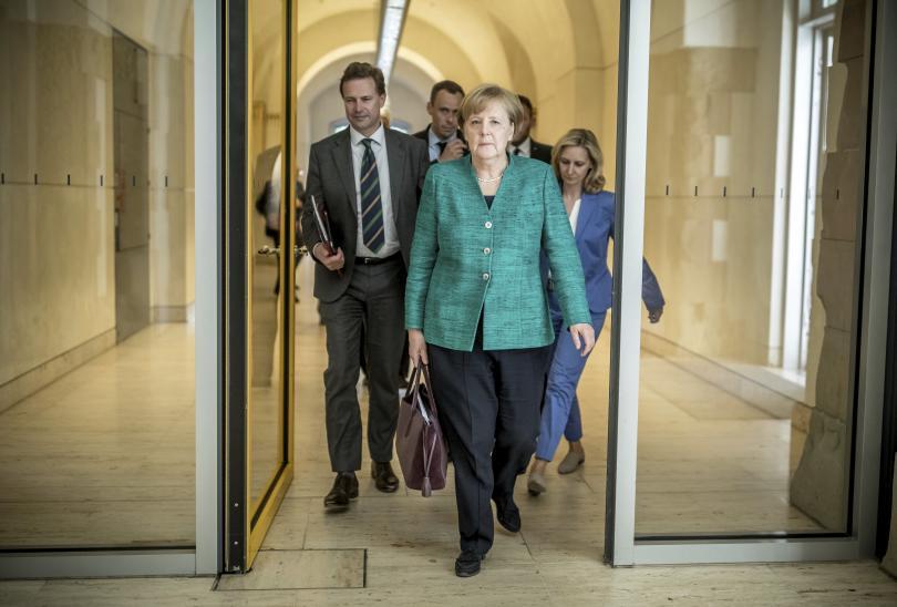 Меркел на първа официална визита в Македония